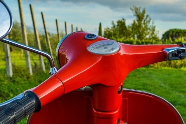 Noleggio Vespa, biciclette e scooter ad Alba nelle Langhe